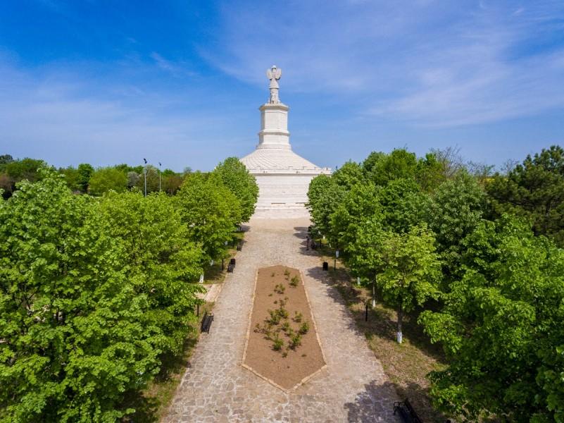 Ruta Verde - Monumentul de la Adamclisi