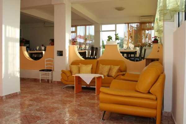 Foto Pensiune Casa Margo Vama Veche 2 Mai