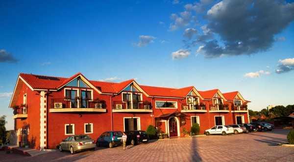 Hotel Lacul Racilor