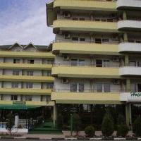 Photos of Edmond Hotel