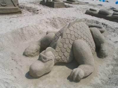 Arta efemera din nisip. In rolul principal: CLAUDIU GIORSON BELECCIU
