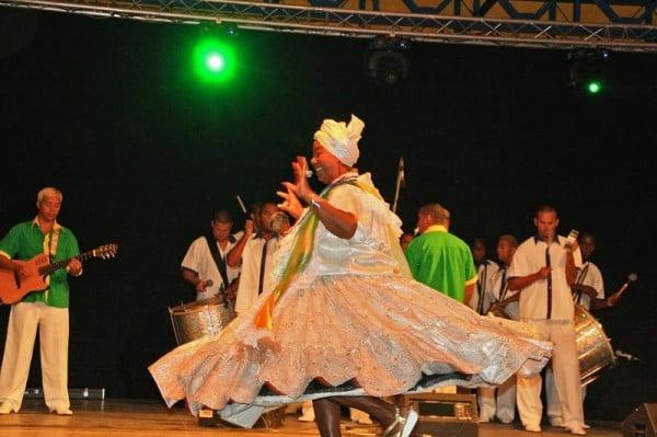 Veselie, muzica, dans, aplauze si distractie in centrul statiunii Mamaia!