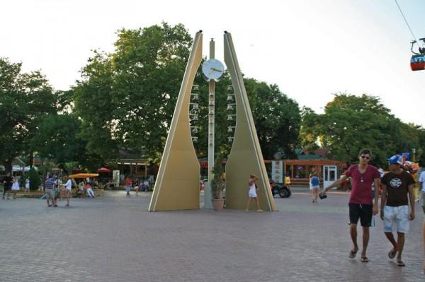 Ceasul din Zona Cazino, Mamaia