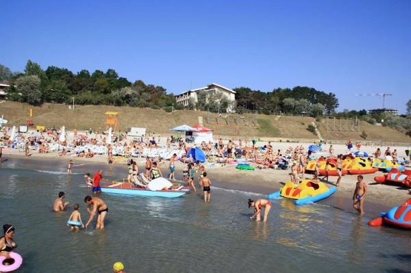 Distractie pe plaja ... Olimp