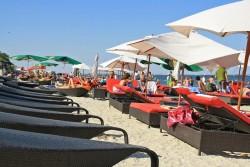 Relaxare pe litoral. Plaja din Mamaia