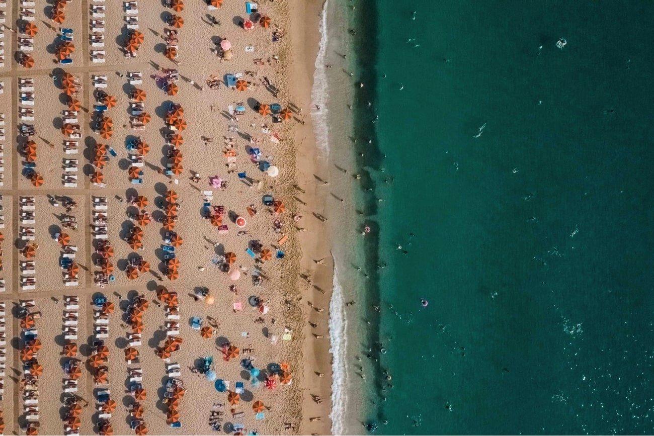 10 Cazari la mare pe plaja de trecut pe lista de vacanta