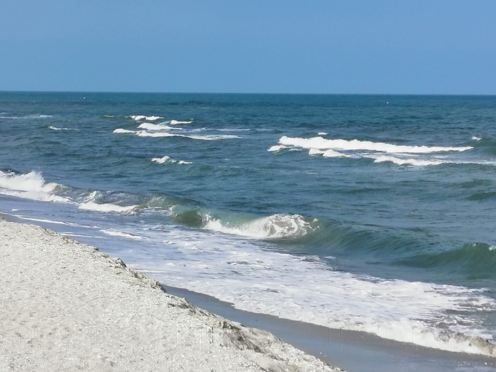 Alege azi aceste 10 cazari cu vedere la mare