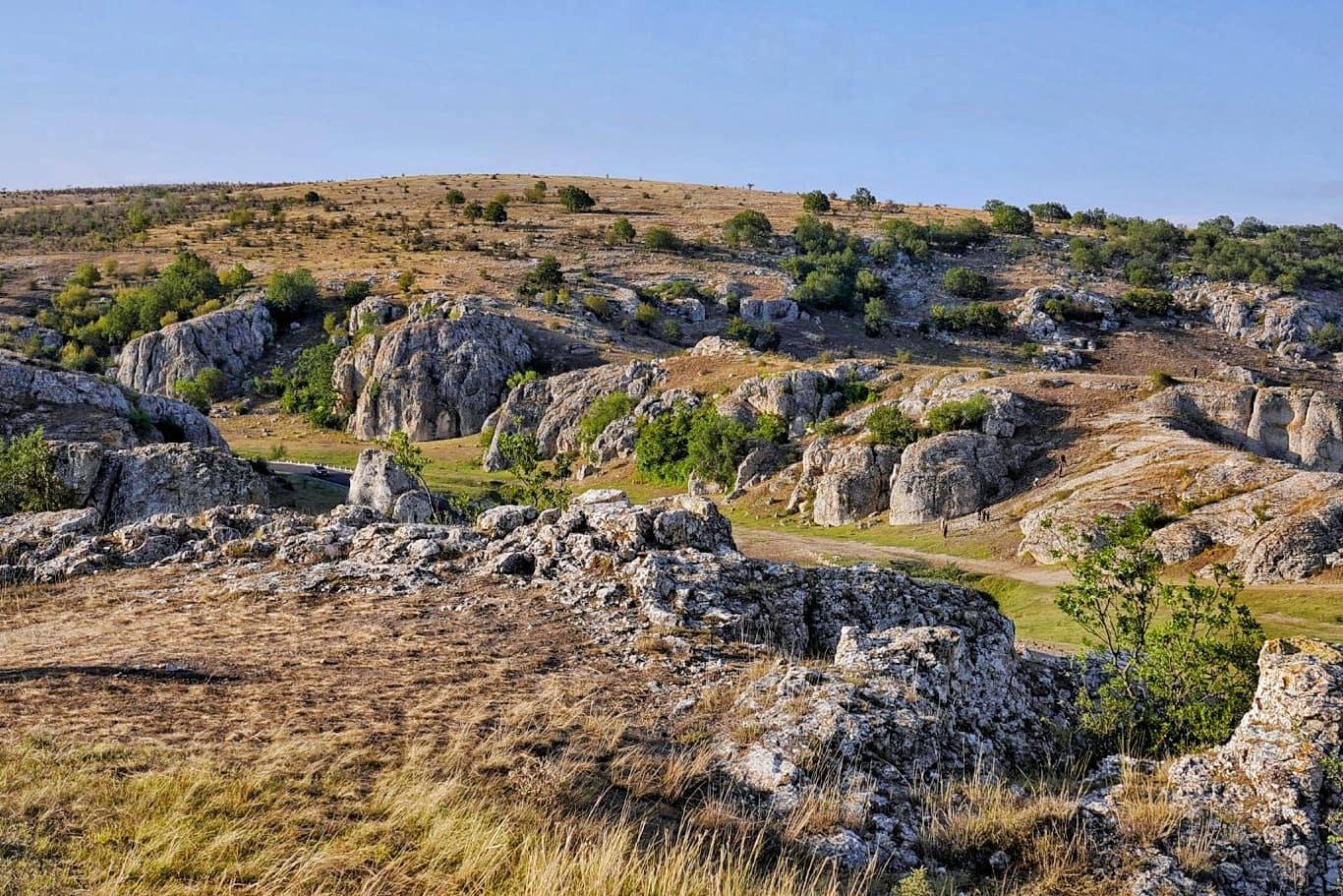Obiective Turistice: Cheile Dobrogei, un colt de natura unic